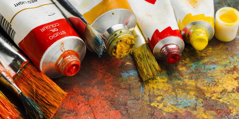"""I love painting. Should I follow my heart?"" Course selection dilemma – interests vs. prospects"